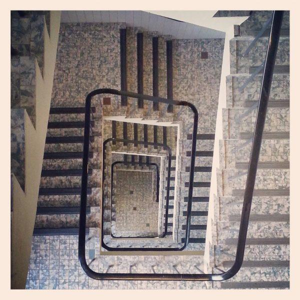 ML0034-trappenhuis - instagram- fotografie van Marjolein Lensink - fotografie - Zaansgroen